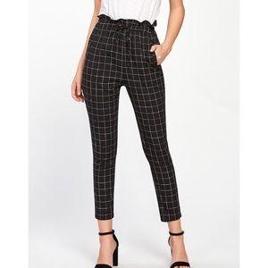Frilled Waist Grid Pants